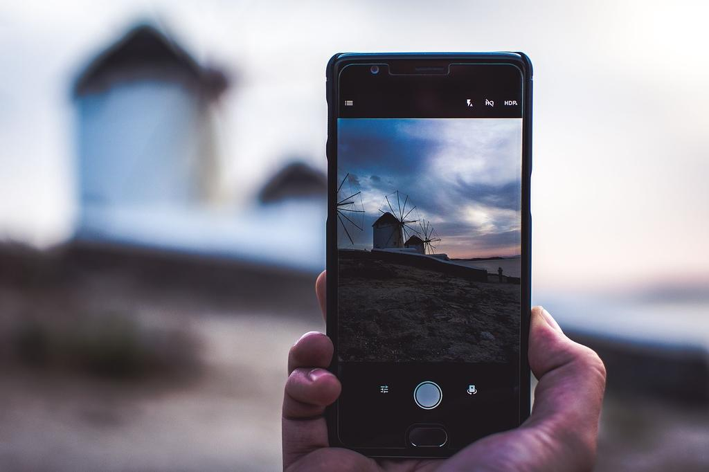 Accessories Every Mobile Photographer Needs